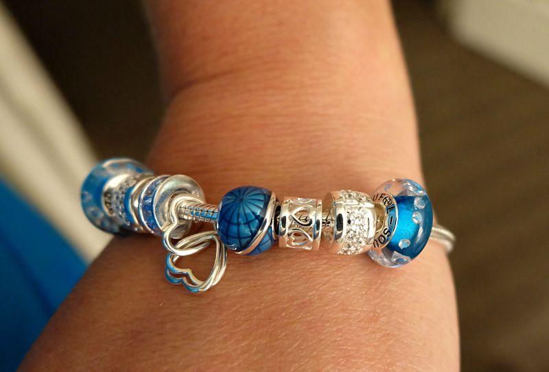 oufeel bracelet de charme sur le poignet