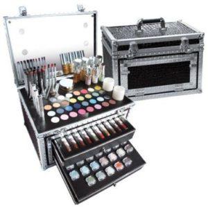 Dans le domaine du showbiz comme sur le plan personnel, le maquillage est  un aspect très connu de la beauté. C est un ensemble de méthodes qui  consistent à ... a5187d99cd59